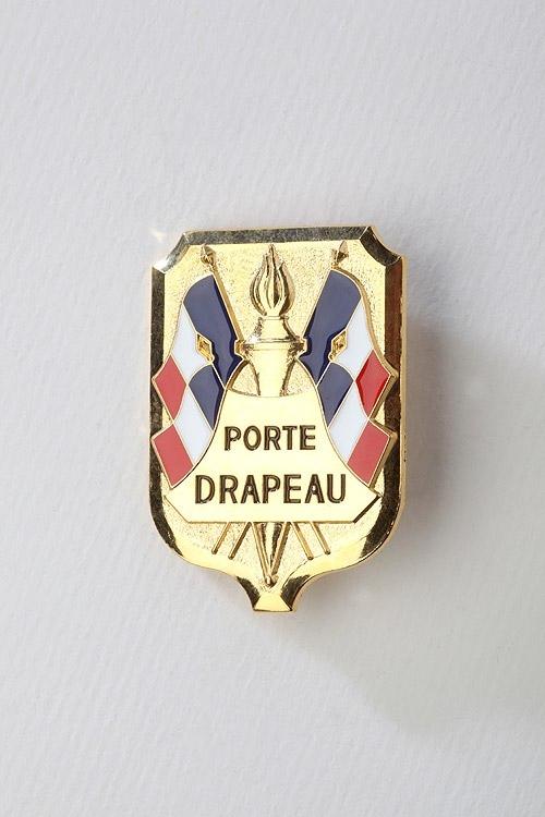 M dailles et d corations militaires insigne porte for Porte drapeaux