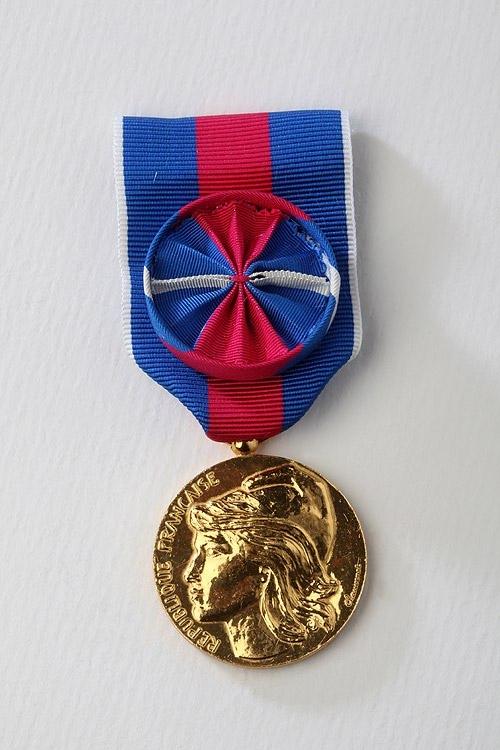 m 201 dailles et d 201 corations militaires m 233 dailles pendantes fran 231 aises actuelles mouret